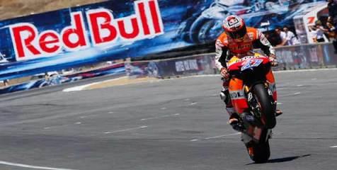 Stoner-Repsol-Honda-Juara-Laguna-Seca-2011.jpg