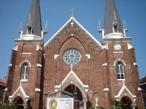 gereja_2.jpg
