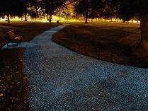 227348_jalan-aspal-bisa-menyala-di-malam-hari_209_157.jpg